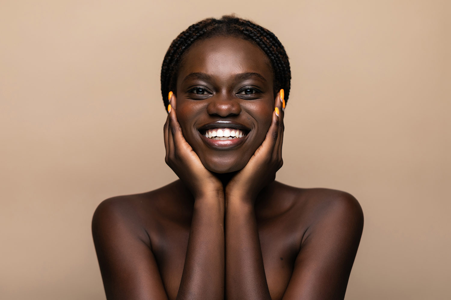 Afro-Caribbean photomodel - smiling female
