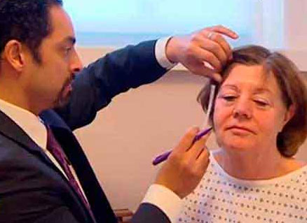 Watch Video: ITV Lorraine Show Featured patient of Dr. Julian De Silva, underwent Natural Face and Neck lifting